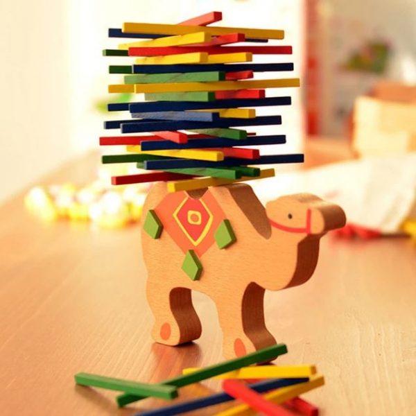 éléphant et chameau équilibrage de blocs