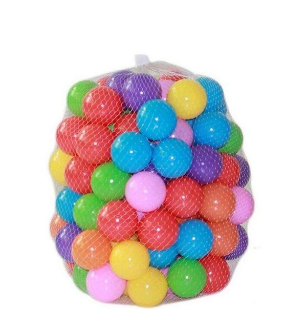 piscine a balles avec 200 balles multicouleurs